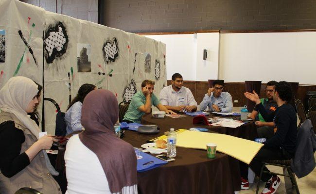 الزكاة تلتقي مع المنظمات الطلابية المحلية لحثهم على المشاركة في حملة اعادة بناء غزة