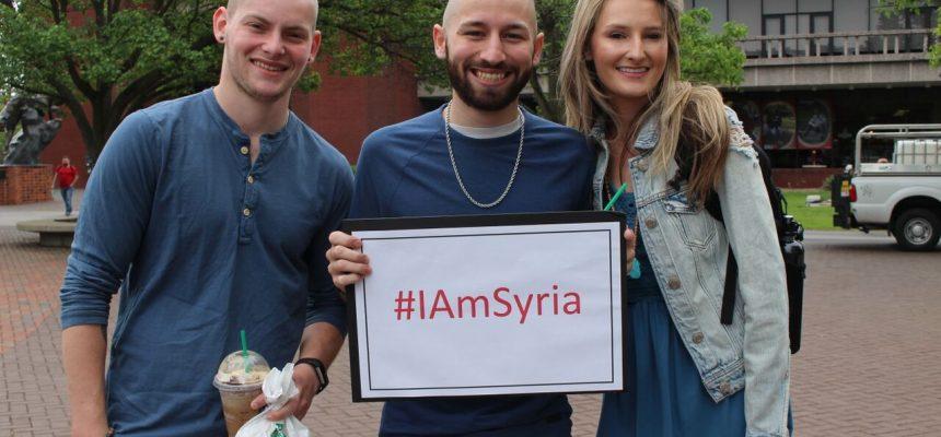 طلاب جامعة SIUE في نشاط لدعم اللاجئين السوريين