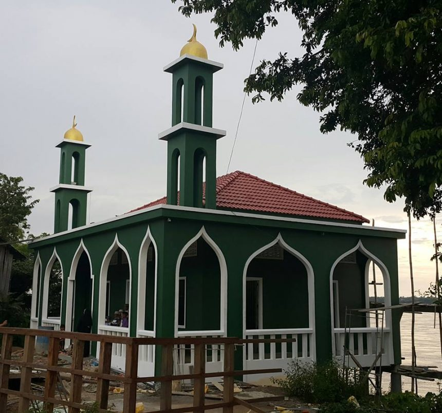 يمكنك بناء مسجد أو مدرسة أو بئر ماء من خلال مؤسسة الزكاة