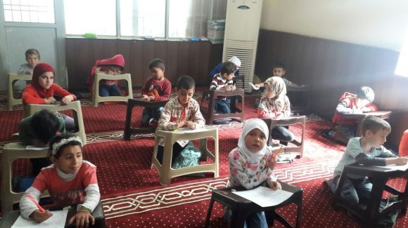 دعم الطلاب السوريين اللاجئين في تركيا