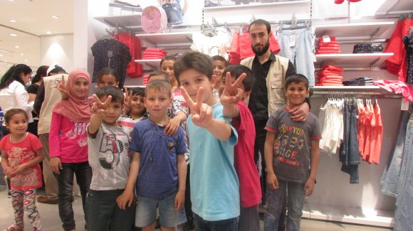 Volunteers Support 600 Syrian Orphans in Ramadan