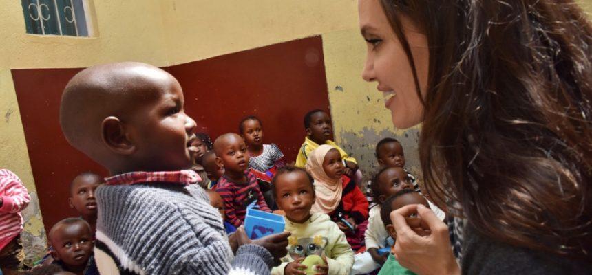 الزكاة تدعم برنامج تمكين الفتيات مع منظمة Heshima Kenya الكينية