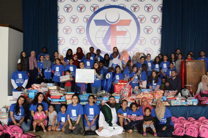 المتطوعون الشباب يحضرون 800 حقيبة مدرسية وهدايا العيد