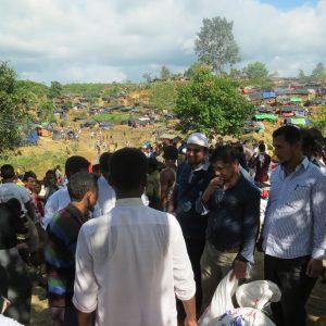 الزكاة تقدم المساعدات الغذائية والطبية للاجئين الروهينغا