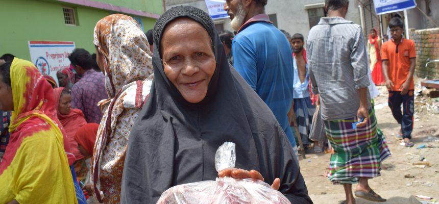 توزيع الأضاحي في بنغلاديش