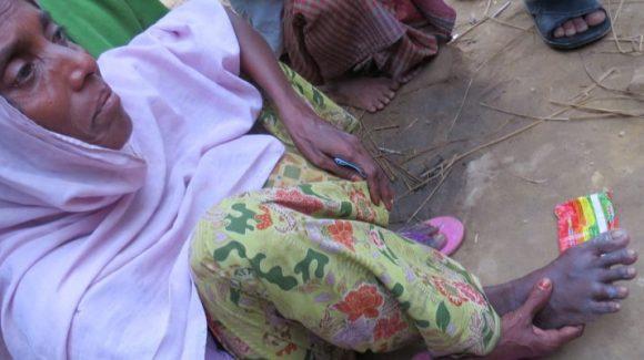 امرأة روهنغية نازحة تخبر الزكاة عن قصتها