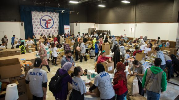 Chicagoland Volunteers Prepare 1,000 Food Aid Kits for Puerto Rico