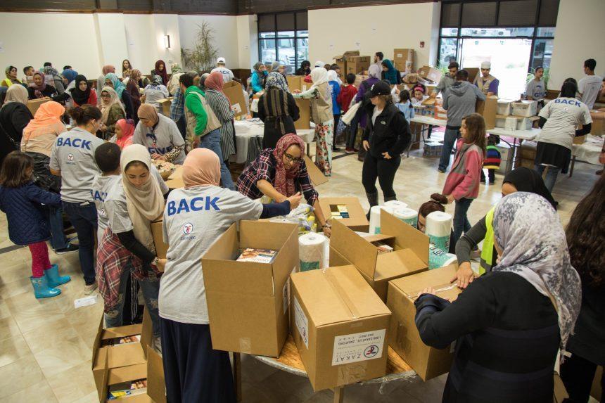 يوم التطوع: أهالي شيكاغو يغيثون بورتوريكو