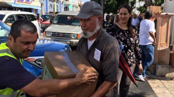 الزكاة توزع المساعدات في بورتوريكو