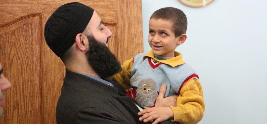 الطبيب النفسي لمركز خليل يزور عيادات الصحة العقلية للاجئين السوريين في تركيا