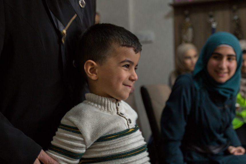 صمود اللاجئين: مقال مصور