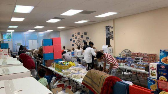 مؤسسة الزكاة توزع صندوق غذائي في يوم عيد الأم
