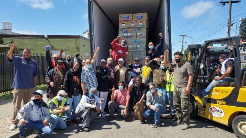مؤسسة الزكاة الأميركية تقدم 17 طنًا من الطعام الطازج لِلجياع والمشردين شرق أوكلاند