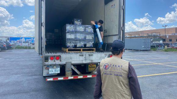 مؤسسة الزكاة تسلم 18 طنا من المنتجات الطازجة إلى المنكوبين في مينيابوليس بعد مقتل شرطة جورج فلويد والاضطرابات
