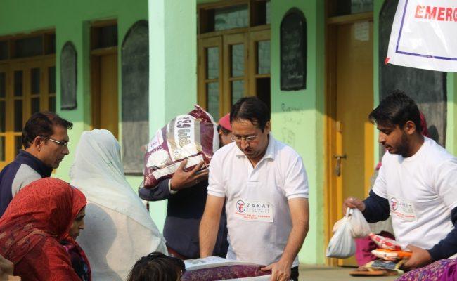 مؤسسة الزكاة تمد يد المساعدة للشعب الكشميري