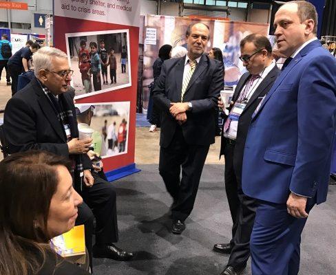 السفير التركي يزور زاوية الزكاة في مؤتمر ماس