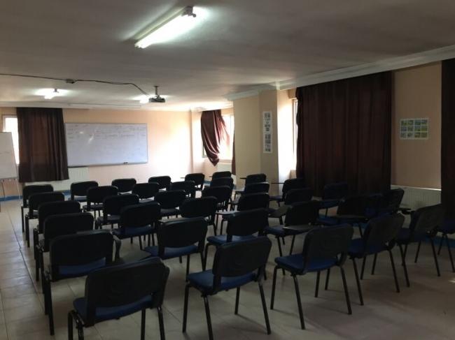 جامعة الزكاة تفتح أبوابها أمام الشباب السوري
