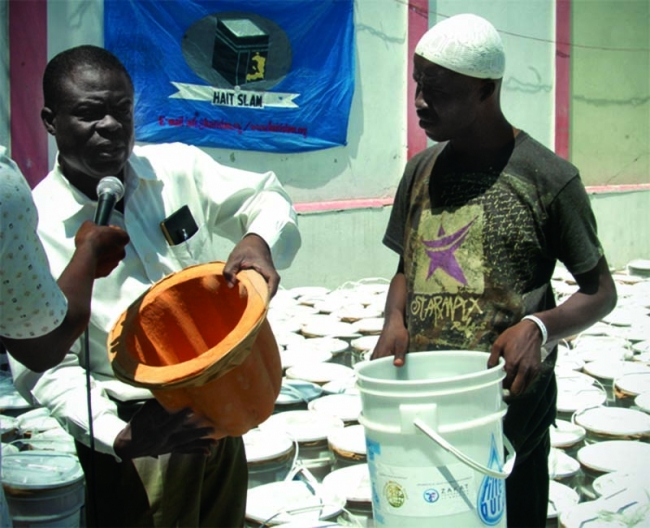 Good Clean Water for Needy Haitians: ZF Distributes Water Filters in Port au Prince