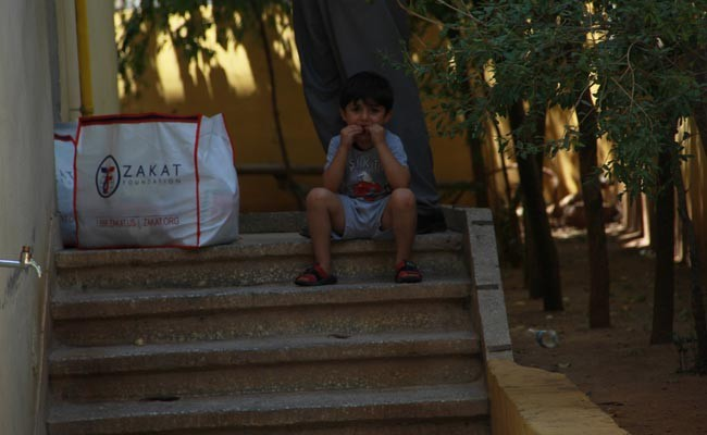 crying kid from syria