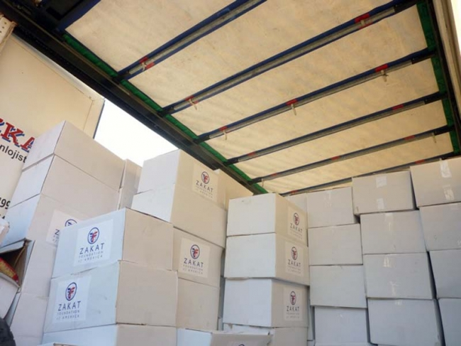 Fifth Truckload of Food Packages Delivered to Syrians and Syrian Refugees