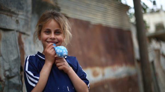 غزة: تكرم ضيوفها رغم الدمار