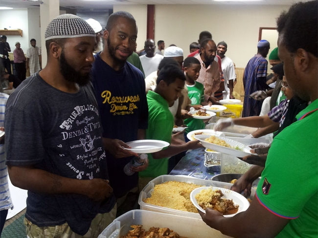 ZF Iftar Feeds 700 people at Masjid At-Taqwa